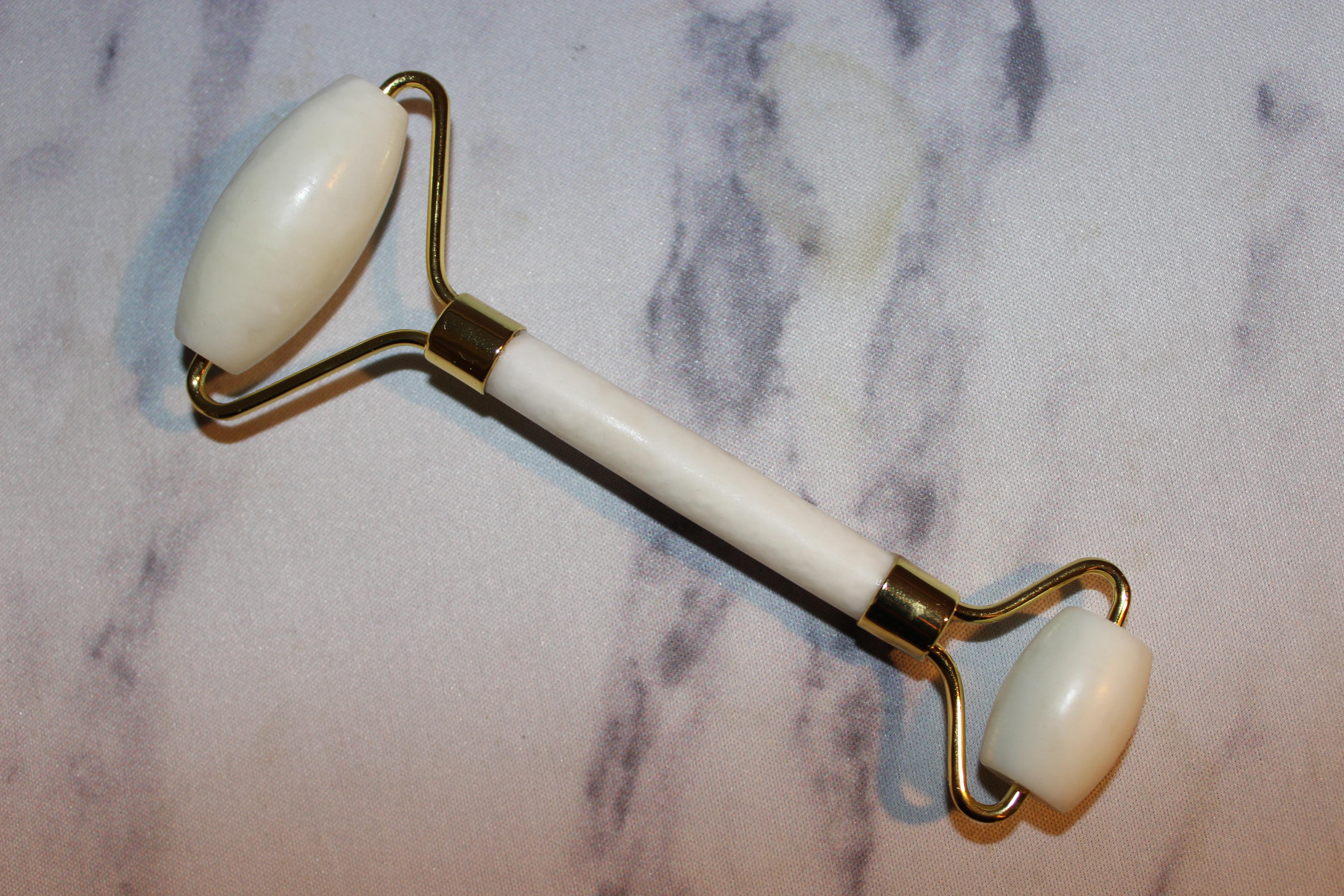 Skin and Senses Xiuyan Jade Stone Roller
