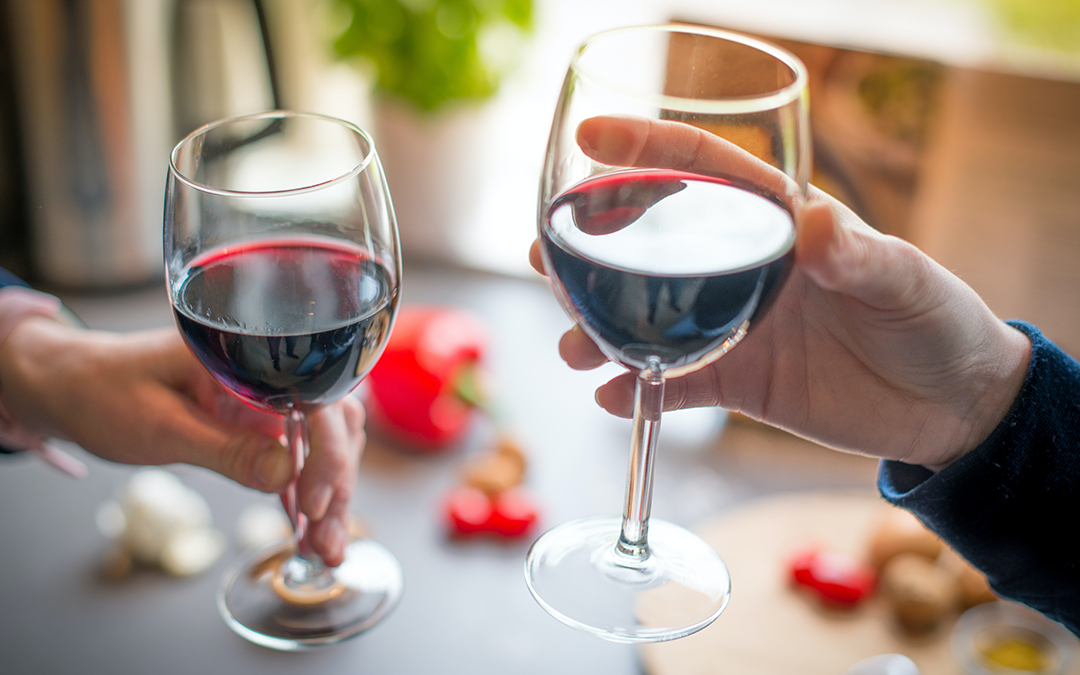 5 of the Healthiest Alcohol Drinks for Losing Weight Without Ditching Booze